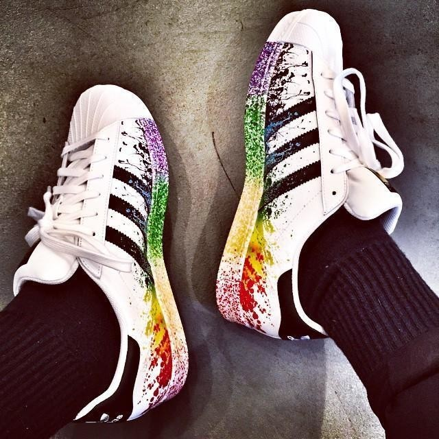 scarpe adidas superstar vernice color arcobaleno