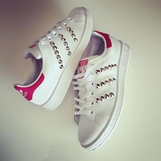 stan smith con borchie