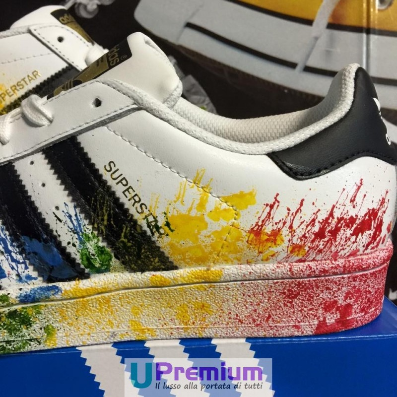 reputable site 0c227 bd7be adidas superstar cambia colore