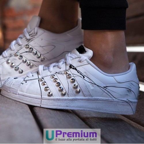 Adidas Superstar Total White Schizzate Nere Borchie Argento Enemy